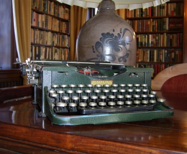 Writing-Center-Typewriter-Photo